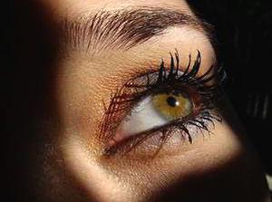 Болят от света глаза