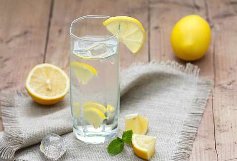 Лимон и вода помогают детоксу