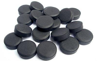 Пучит живот - активированный уголь