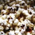 Попкорн в микроволновке опасен?