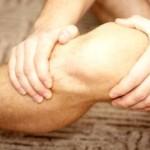 Почему болят колени?