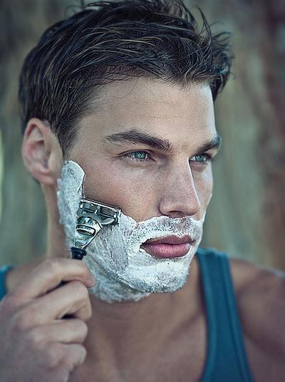 Как правильно бриться мужчине