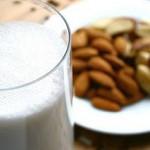 Молоко и орехи средство от бессоницы